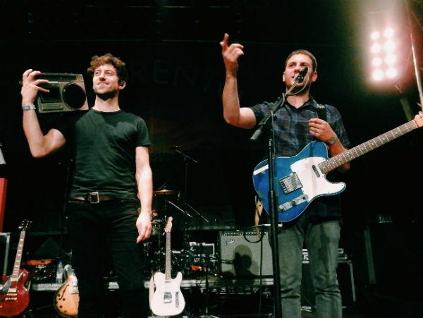 Ronan Yourell y Kieran McGuiness, guitarristas y vocalistas de Delorentos
